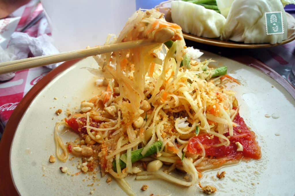 chinese food 2 essay Authentic chinese food dishes that were adopted by western restaurants have some fundamental differences for chicken, westerners often prefer white, boneless breast meat chinese dishes often utilize the dark meat, connective tissue, organs, and small bones for nutritional value.