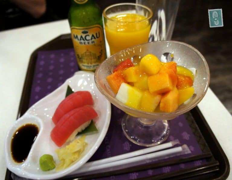 The food inside casinos is very cheap, much cheaper than street food so we treated ourselves with some fruits, sushi and Macau beers