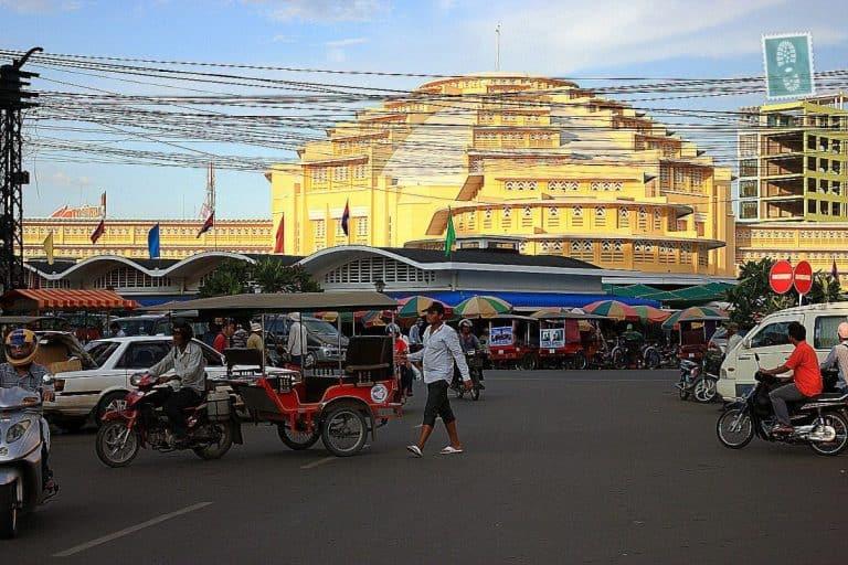 Busy streets in Phnom Penh