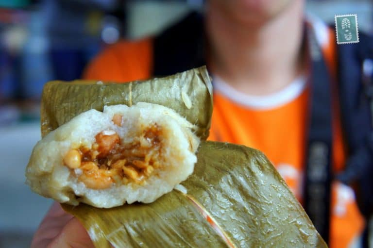 Sticky rice filled with beans and nuts
