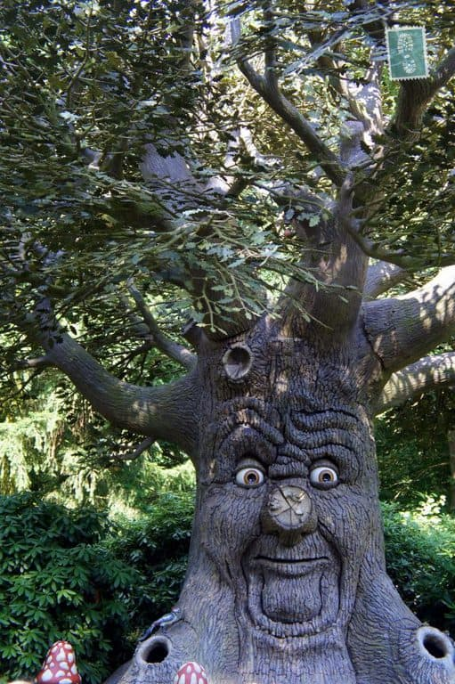 The tree that speaks in Efteling