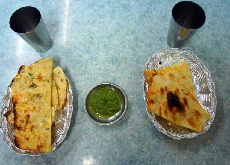 Naan bread with cucumber sauce