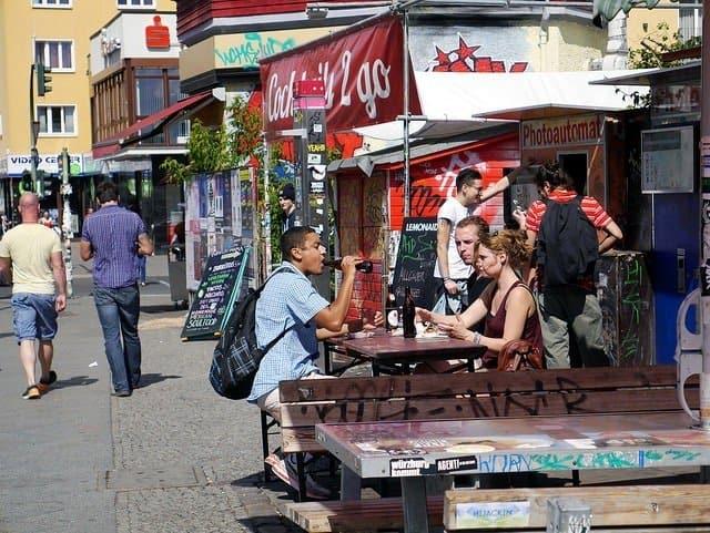 drinking-outside-in-berlin