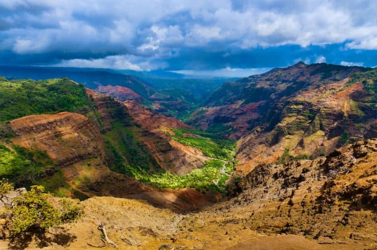 colorful canyon in Hawaii