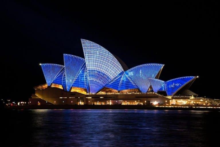 australia sydney opera house at night