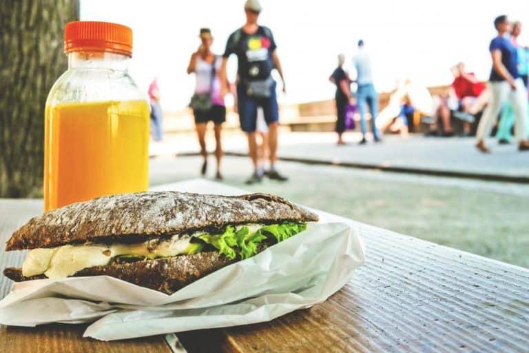 Sándwich de comida callejera