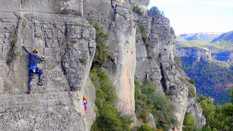 Cez of Etramping overcoming his fear of heights
