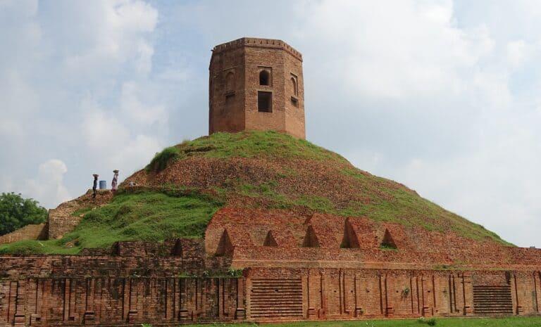 Chaukhandi Stupa In Sarnath Varanasi