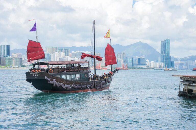 aqua luna sail